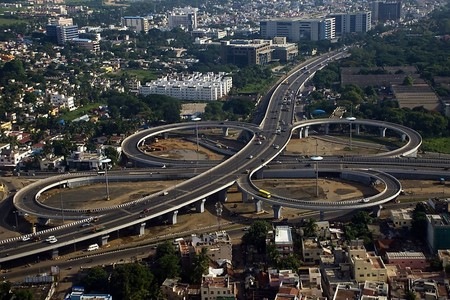The Kathipara flyover near Chennai Airport is one of Asia's largest clover-leaf flyovers | © Pratik Gupte/WikiCommons