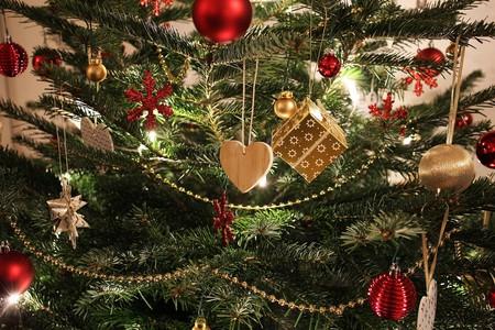Christmas tree decorations | © ExposureToday / Pixabay