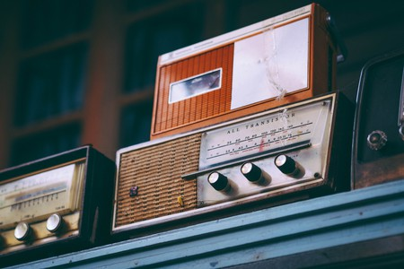 Vintage radios | © Igor Ovsyannykov / Unsplash