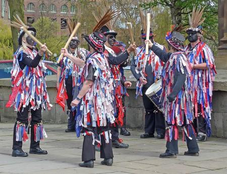 Morris dancers   © Tim Green / Wikimedia