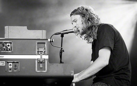 Dungen lead singer Gustav Ejstes playing in Oslo in 2016   © Tore Sætre (CC BY-SA 4.0) / Flickr