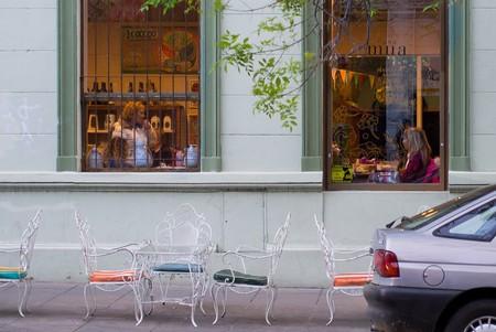 A cafe in Buenos Aires   © Dan DeLuca / Flickr