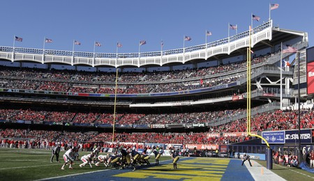 Notre Dame defeated Rutgers in the 2013 Pinstripe Bowl | © Frank Franklin II/AP/REX/Shutterstock