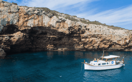 Llaüt boat | Courtesy of Menorca en Llaüt