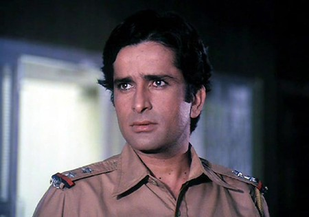 Shashi Kapoor as the cop Ravi in a scene from Deewar   Image Courtesy of Gulshan Rai/Trimurti Films