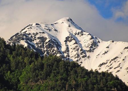 View of Tetnuldi Mountain | © Sarah Murray / WikiCommons