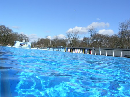 Tooting Bec Lido | © Rolyatam/Flickr
