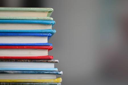 Collection of books | ©Kimberly Farmer/Unsplash