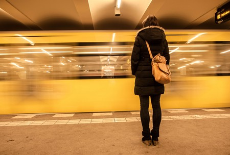 Women on U-Bahn Platform in Berlin | © Georgie Pauwels/Flickr