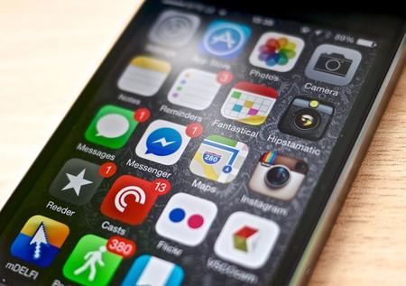 Phone apps | © Kārlis Dambrāns / Flickr