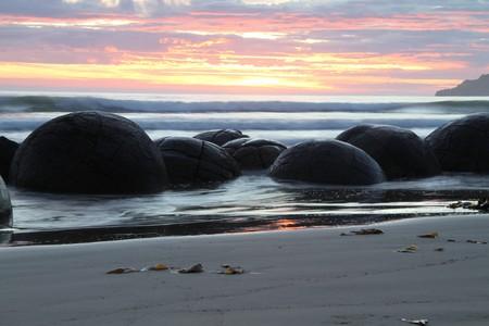 Moeraki Boulders at dawn   © Graeme Scott/Flickr