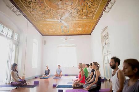 Yoga practice at Prana Lounge / Courtesy of Prana Lounge