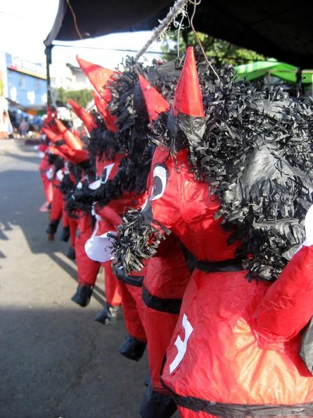 Devils for the Quema del diablo, Guatemala © Javier Aroche / flickr