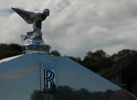 """The famous """"Flying Lady"""" on a Rolls Royce car 