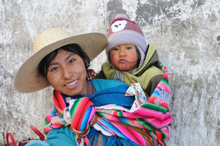 Bolivian mother | © M M / Flickr