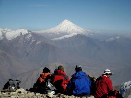 Mt. Damavand seen from Tochal   © Ninara / Flickr