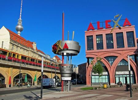 Alexa Shopping Mall in Alexanderplatz, Berlin | © Jim Woodward/Flickr