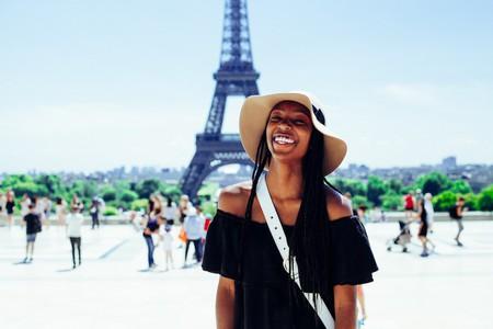 Paris traveler   © Atikh Bana/Unsplash