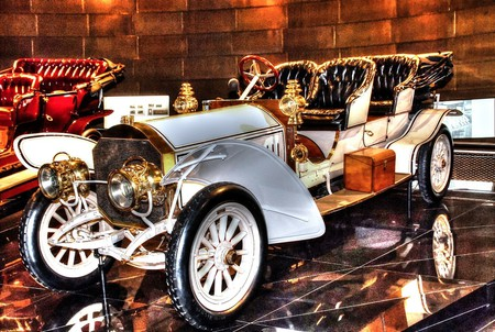 Mercedes Museum, Stuttgart   © marcschneider / Pixabay