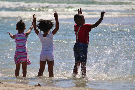 Children in the sea | © Counselling / Pixabay