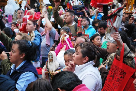 Santa Muerte devotees in Tepito | © Thelmadatter / WikiCommons