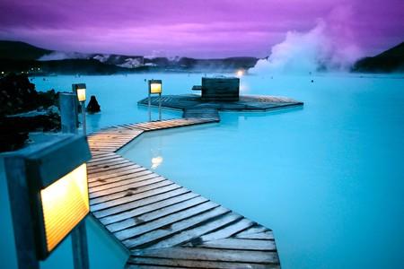 Thermal springs blue lagoon Reykjavik Iceland | © Expedia