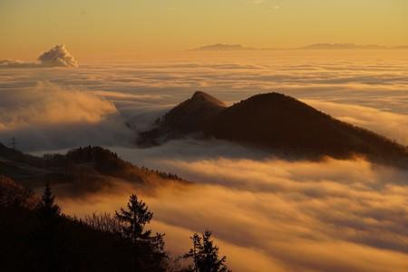 Legend has it that a monster lurks in Switzerland's idyllic Alps   © Hans / Pixabay