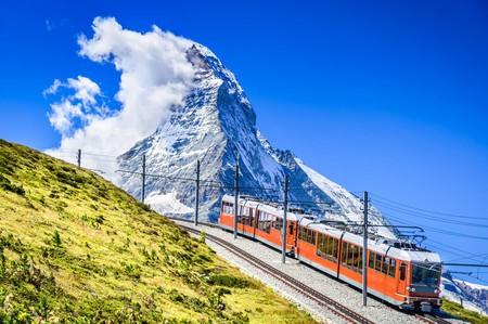 The 9km mountain railway travels from Zermatt (1604m) to Gornergrat (3089m) and passes theMatterhorn |©cge2010/Shutterstock