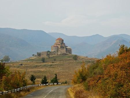 Jvari Monastery from far | © John Crane / Flickr
