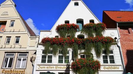 © PeterKraayvanger / Pixabay https://pixabay.com/en/l%C3%BCneburg-home-architecture-building-1691400/