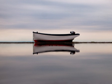 Boat and reflection, Isle of Wight |  ©  Nick Page/Flickr