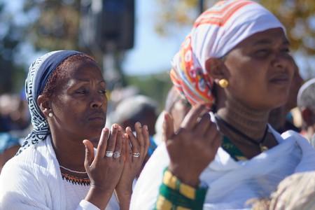 Ethiopian Jewish women pray at the Sigd in Jerusalem, Israel, 2014 | © RnDmS / Shutterstock
