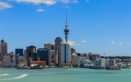 Auckland, North Island, New Zealand   © Naruedom Yaempongsa/Shutterstock