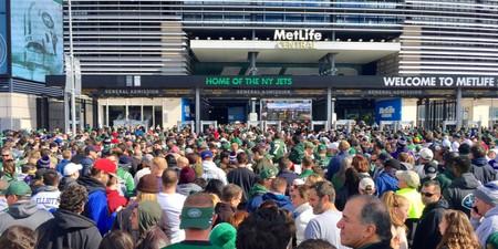New York Jets fans wait in line to enter MetLife Stadium   © BravoKiloVideo/Shutterstock
