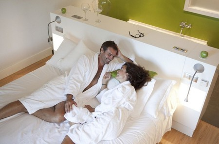 Couple in Artiem Audax | Courtesy of Artiem Hotels