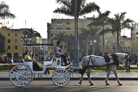 Lima's historic center | © Filipe Fortes / Flickr  https://www.flickr.com/photos/fortes/2115834966/in/photolist-5cJjqx-eoRW6-4w681i-MCGuMy-MCGvyJ-z7z1ua-yscocz-YWFJ6i-iXkSQr-4dYd2d