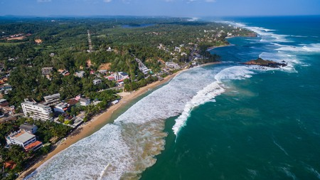 Sri Lanka, only a few hours away from the UAE, remains a popular getaway | © dronepicr/Flickr