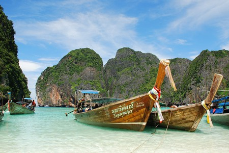 "<a href=""https://www.flickr.com/photos/30733371@N00/5413612931/"" rel=""noopener"" target=""_blank"">A trip to Thailand's stunning Maya Bay | © spotter_nl / Flickr</a>"