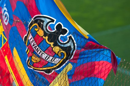 The flag of Levante UD, featuring the bat, one of the symbols of Valencia
