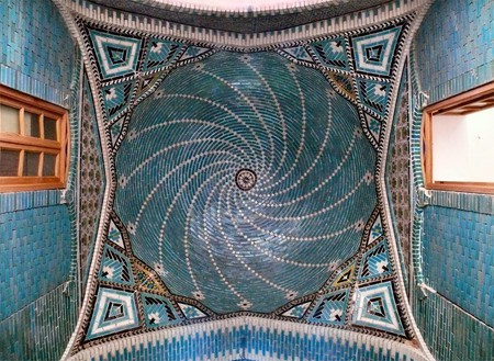The blue ceramic roof of the Tekyeh Moaven al-molk in Kermanshah | © dynamosquito/Flickr