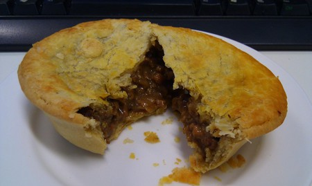 Classic Mince Pie \ © Alpha / Flickr