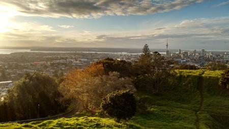 View of Auckland from Mt Eden   © Mathew Waters/Unsplash