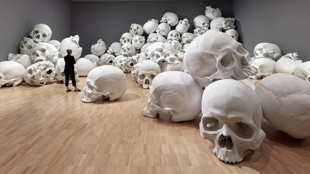 Installation view of Mass by Ron Mueck, 2017 on display at NGV Triennial at NGV International, 2017   Photo: Sean Fennessy