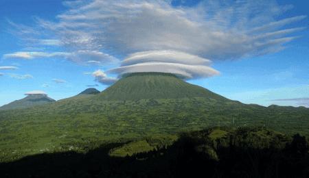 Mount Muhabura | © Unknown / Wikimedia
