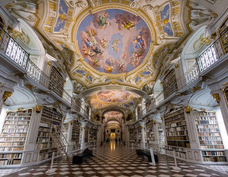 A glimpse of the gorgeous ceiling frescoes |© Shutterstock