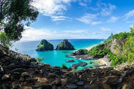 The gorgeous ocean views of Fernando de Noronha   © Walter Ferry Dissmann/WikiCommons