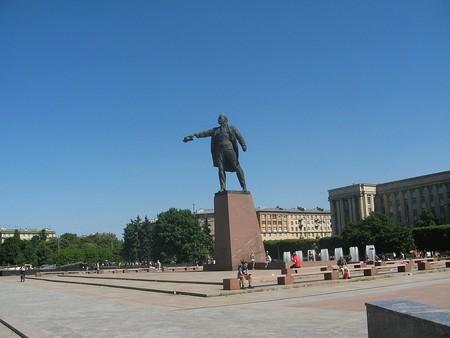 Lenin Statue on Moskovskaya Square   © Wikimedia Commons