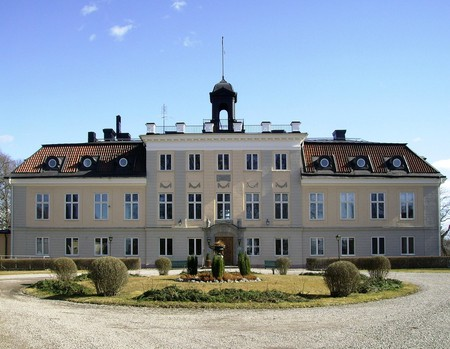 Soderstuna Slott is beautiful
