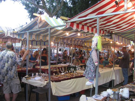 Dizengoff Antiques and Second Hand Goods Market