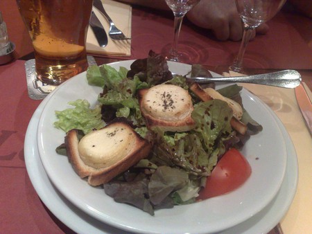 Chèvre chaud sur salade